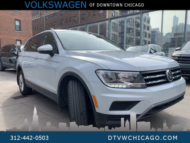 Certified Pre-Owned 2018 Volkswagen Tiguan 2.0T SE 4Motion W/PANO ROOF/CAR-PLAY CONNECT/17' ALLOYS