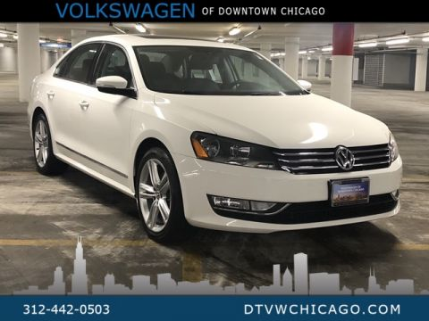 Certified Pre-Owned 2015 Volkswagen Passat 1.8T SE w/Sunroof/Nav
